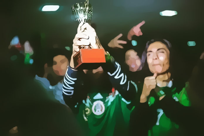Blade & Reyes raising up the Mexico TOP16 Cup